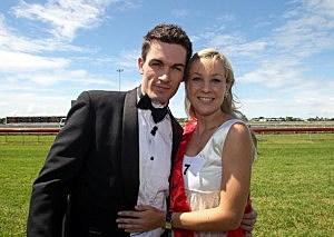 100 Brides Compete For A Single Valentine's Male In Brisbane