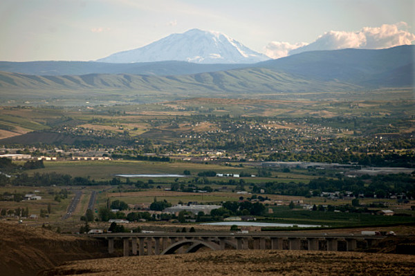 Yakima amongst top well being communities in the u s for Landscaping rocks yakima